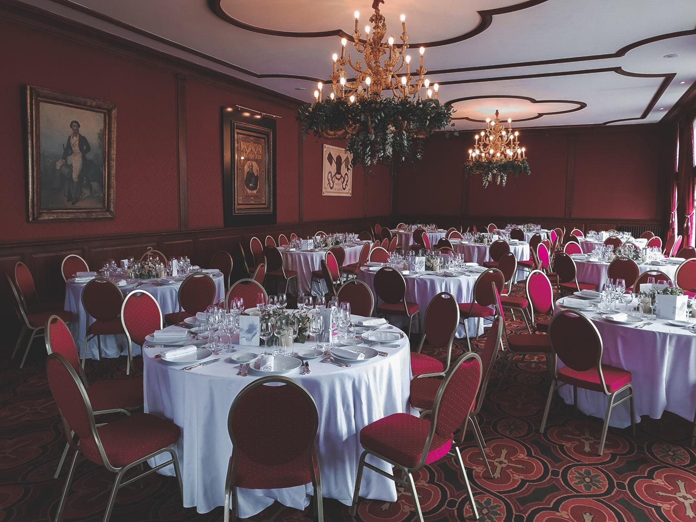 Photo de la salle principale d'une réception au Château Pape Clement à Pessac (33600).