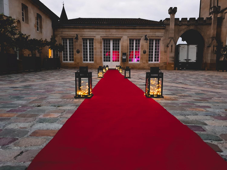 L'allée principale d'un mariage organisé par l'agence Amoren.