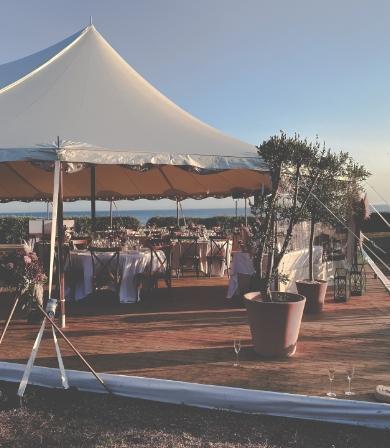 Évènement en extérieurréalisé par l'agence événementiel Amoren sur un terrain privé à Ste Marie de Ré.