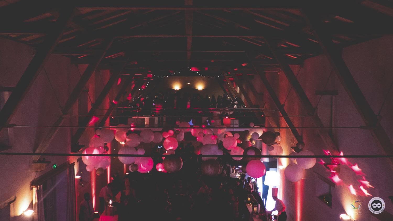 Photographie d'un Gala d'étudiants, organisé par le Bureau des Étudiants et Amoren, dans la ville de Saint-Porchaire au Château de la Roche Courbon
