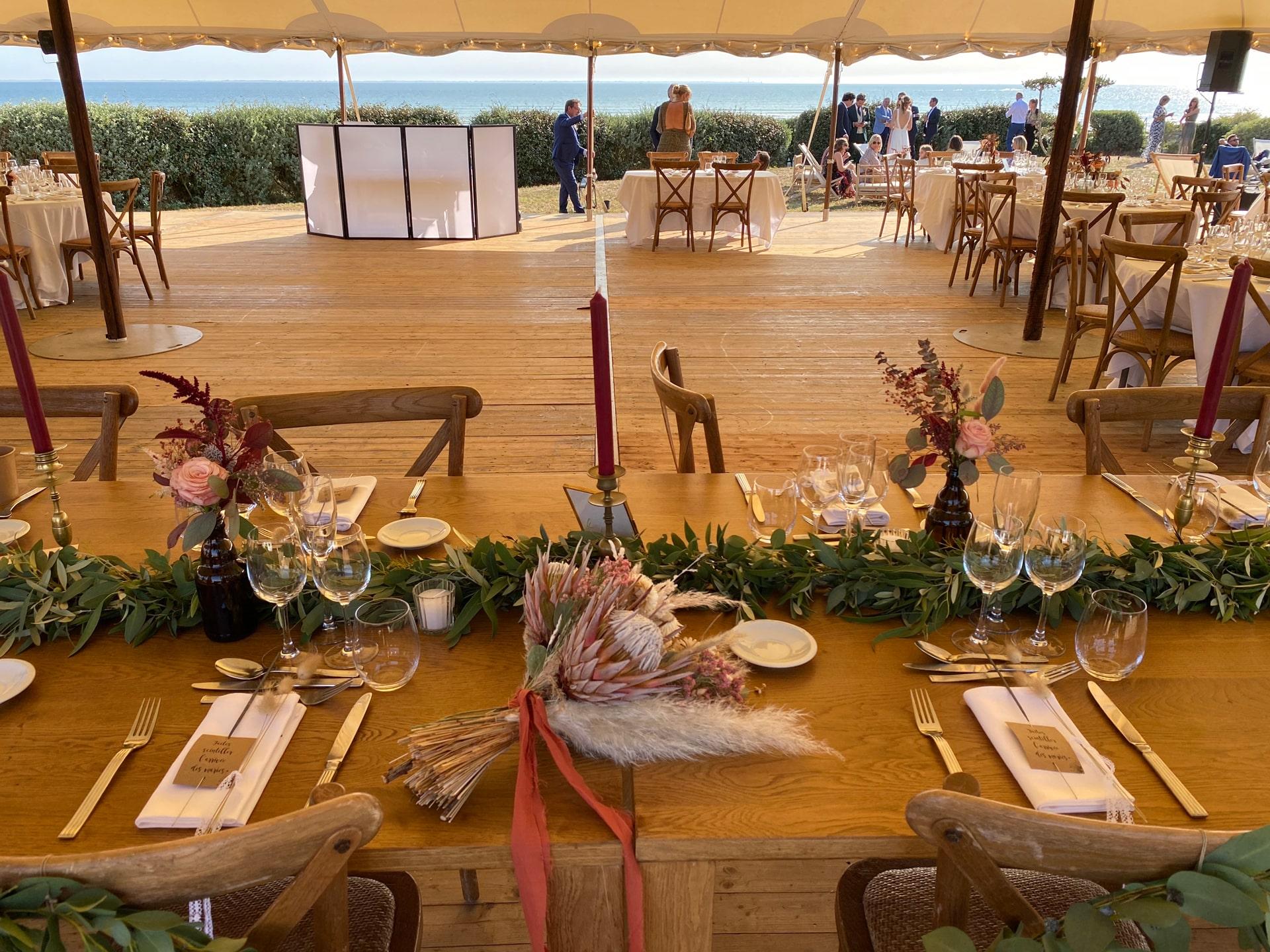 Photo de décoration d'un buffet en extérieur
